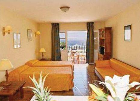 Hotelzimmer mit Tischtennis im Pueblo Torviscas Holiday Apartments