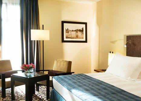 Hotelzimmer mit Tennis im Radisson Blu Marseille Vieux Port