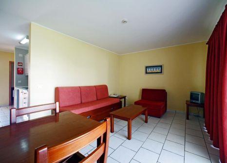 Hotelzimmer mit Tischtennis im Pateo Village