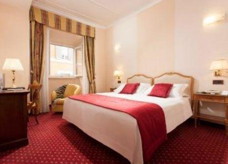 Hotelzimmer mit Hochstuhl im Nazionale