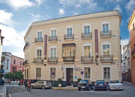 Hotel Petit Palace Santa Cruz günstig bei weg.de buchen - Bild von 5vorFlug