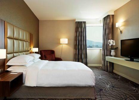 Hotelzimmer mit Tennis im Hilton Sofia