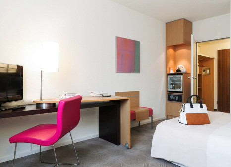 Hotelzimmer mit Animationsprogramm im Novotel Frankfurt City