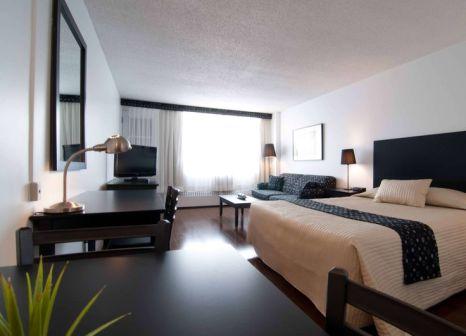 Hotelzimmer mit Pool im La Tour Belvédère Hotel Apartments