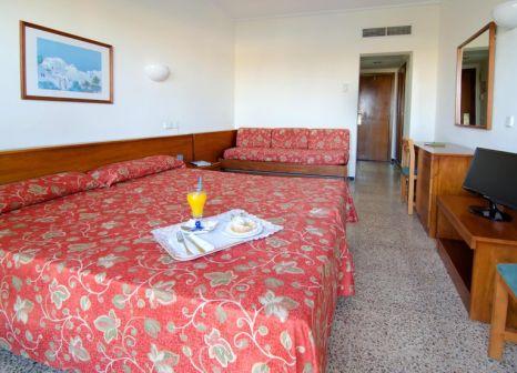 Hotelzimmer mit Mountainbike im BelleVue Lagomonte