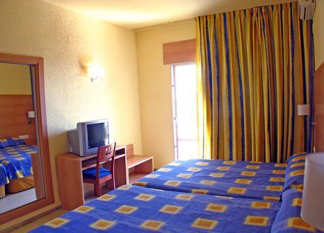 Hotelzimmer mit Mountainbike im Ohtels San Salvador