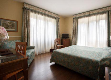 Hotelzimmer mit Clubs im Hotel Santa Costanza