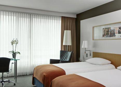 Hotelzimmer mit Hallenbad im Steigenberger Airport Hotel Amsterdam