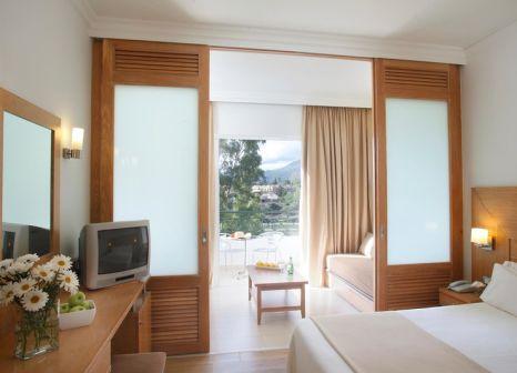 Hotelzimmer mit Minigolf im Louis Corcyra Beach