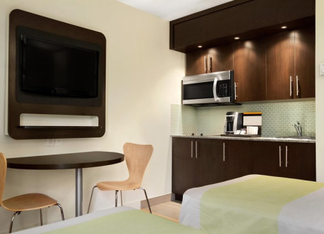 Hotelzimmer mit Restaurant im Studio 6 Toronto