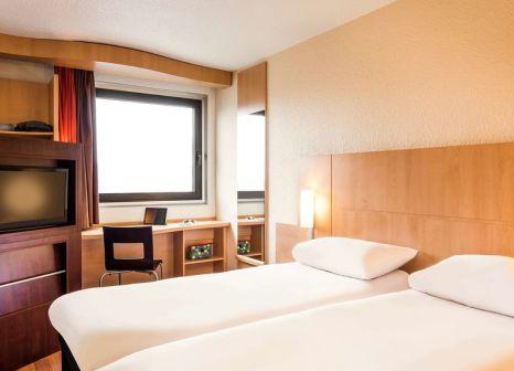 Hotelzimmer mit Hallenbad im Hôtel ibis Paris 17 Clichy-Batignolles
