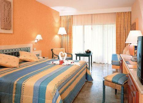 Hotelzimmer mit Mountainbike im Iberostar Tucán