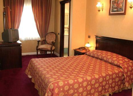 Hotelzimmer mit Hallenbad im Sapphire