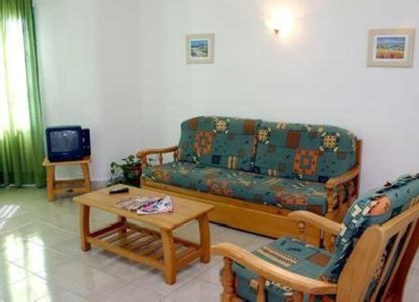 Hotelzimmer mit Tennis im Luz Y Mar Apartments