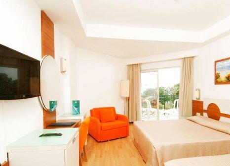 Hotelzimmer mit Volleyball im Zena Resort Hotel