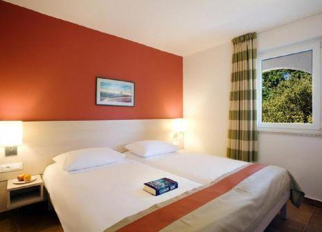 Hotelzimmer mit Volleyball im Valamar Tamaris Resort