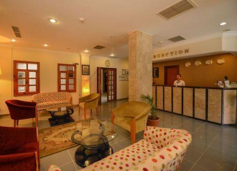 Hotelzimmer mit Tischtennis im Perdikia Beach Hotel