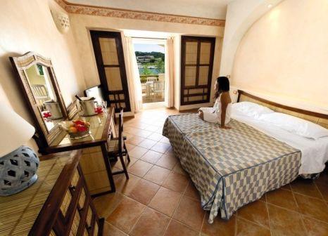 Hotelzimmer mit Tischtennis im Park Hotel Resort Baja Sardinia