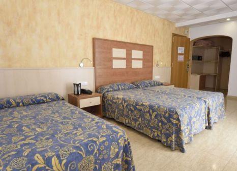 Hotelzimmer mit Mountainbike im Hotel Internacional Calella