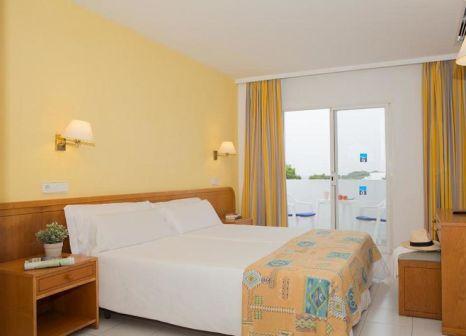 Hotelzimmer mit Volleyball im Gavimar Ariel Chico Club & Resort