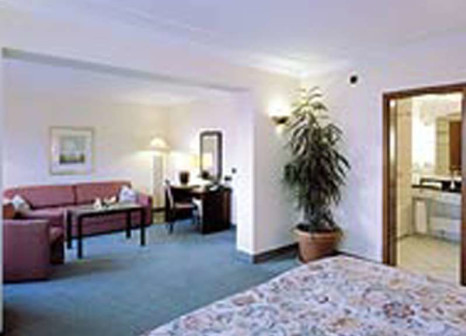 Hotelzimmer mit Mountainbike im Steigenberger Hotel Bad Neuenahr