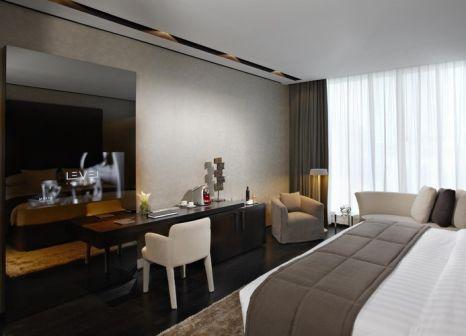 Hotelzimmer mit Tennis im The Canvas Hotel Dubai MGallery By Sofitel