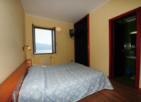 Hotelzimmer mit Mountainbike im Lido Gargnano