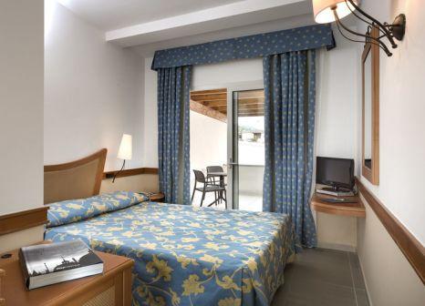 Hotelzimmer mit Tennis im Hotel San Teodoro