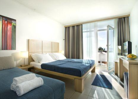 Hotelzimmer mit Minigolf im Aminess Magal Hotel