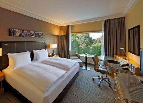 Hotelzimmer mit Aerobic im Hilton Frankfurt City Centre