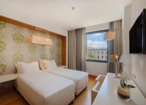 Hotelzimmer mit Sandstrand im NH Palermo