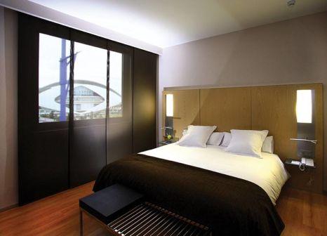 Hotelzimmer mit Hochstuhl im Barceló Valencia
