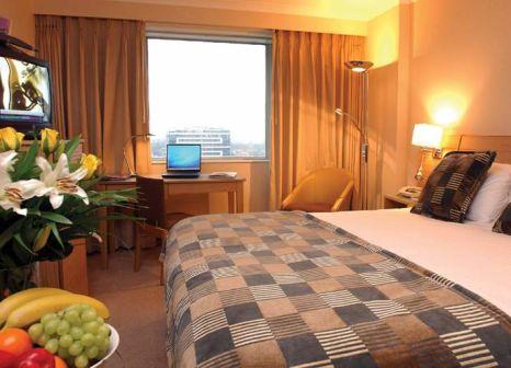 Hotelzimmer mit Aerobic im Hilton London Metropole