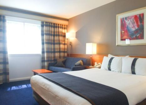 Hotelzimmer mit Animationsprogramm im Leonardo Hotel London Heathrow Airport