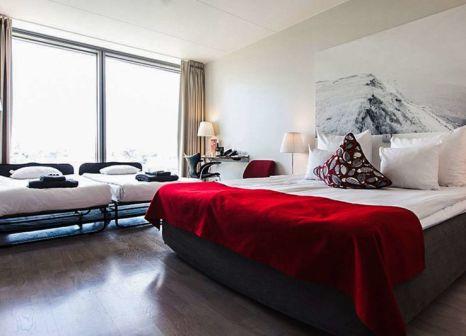 Hotelzimmer mit Pool im Clarion Sign