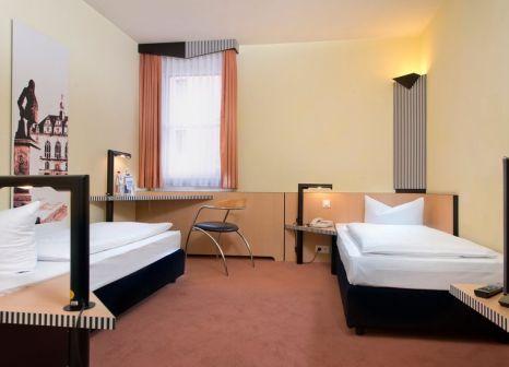 Hotelzimmer mit Spielplatz im TRYP by Wyndham Halle
