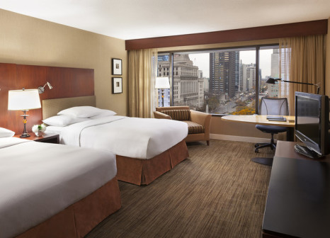 Hotelzimmer mit Hochstuhl im Hilton Toronto