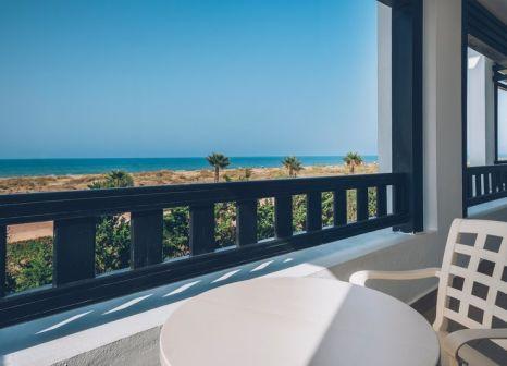 Hotelzimmer mit Yoga im Iberostar Saïdia