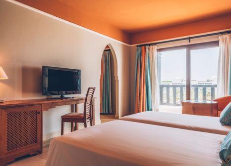 Hotelzimmer mit Volleyball im Iberostar Saïdia