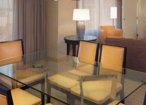 Hotelzimmer mit Tennis im Hilton Los Angeles Airport