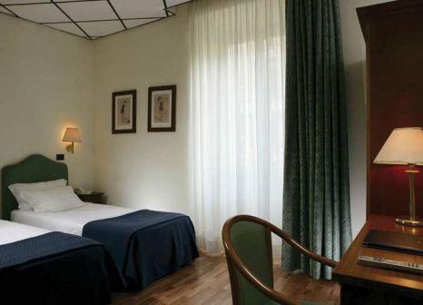 Hotelzimmer mit Mountainbike im Ariston