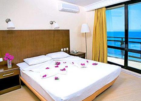 Hotelzimmer mit Volleyball im Orion Beach Hotel