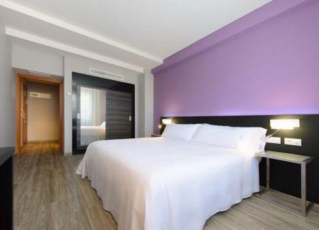 Hotelzimmer mit Spielplatz im TRYP Córdoba Hotel