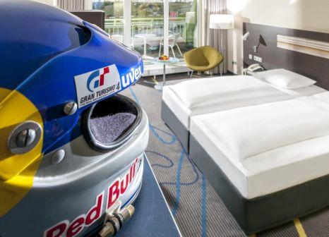 Hotelzimmer mit Pool im Dorint Hotel Am Nürburgring Hocheifel