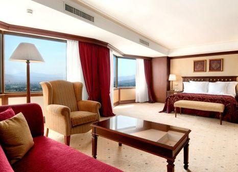 Hotelzimmer mit Mountainbike im Hilton Izmir