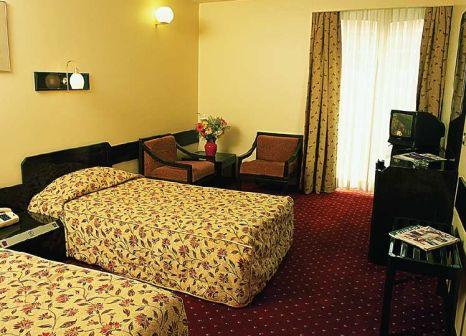 Hotelzimmer mit Pool im Istanbul Royal Hotel