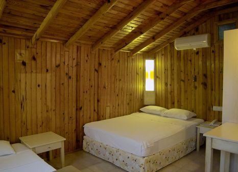Hotelzimmer mit Tischtennis im Leda Beach Hotel