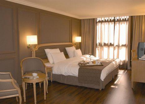 Hotelzimmer mit Tennis im Le Commodore Hotel
