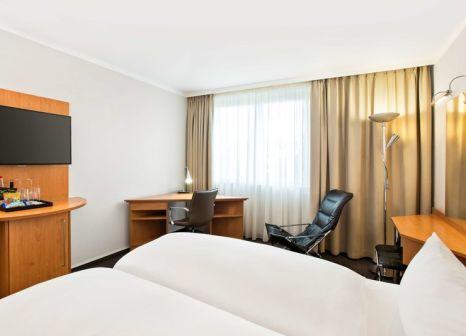 Hotelzimmer mit Hallenbad im NH Frankfurt Airport West