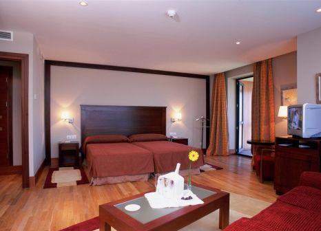 Hotelzimmer mit Hochstuhl im Parador de Soria
